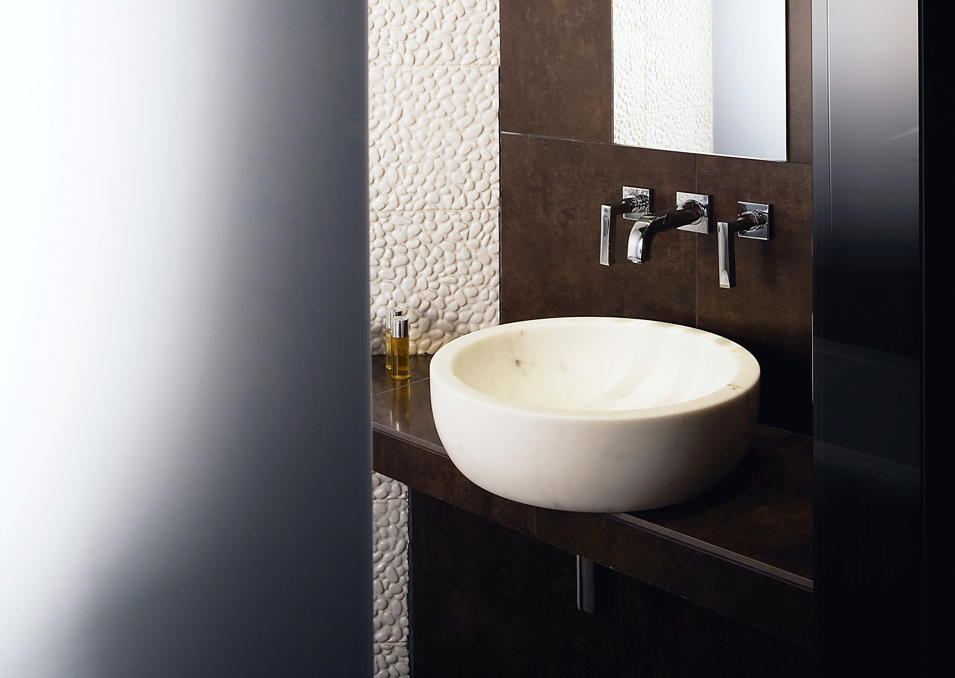 Bath Luxury Modern bathroom plumbing fixture sink bidet bathtub lighting ceramic toilet flooring