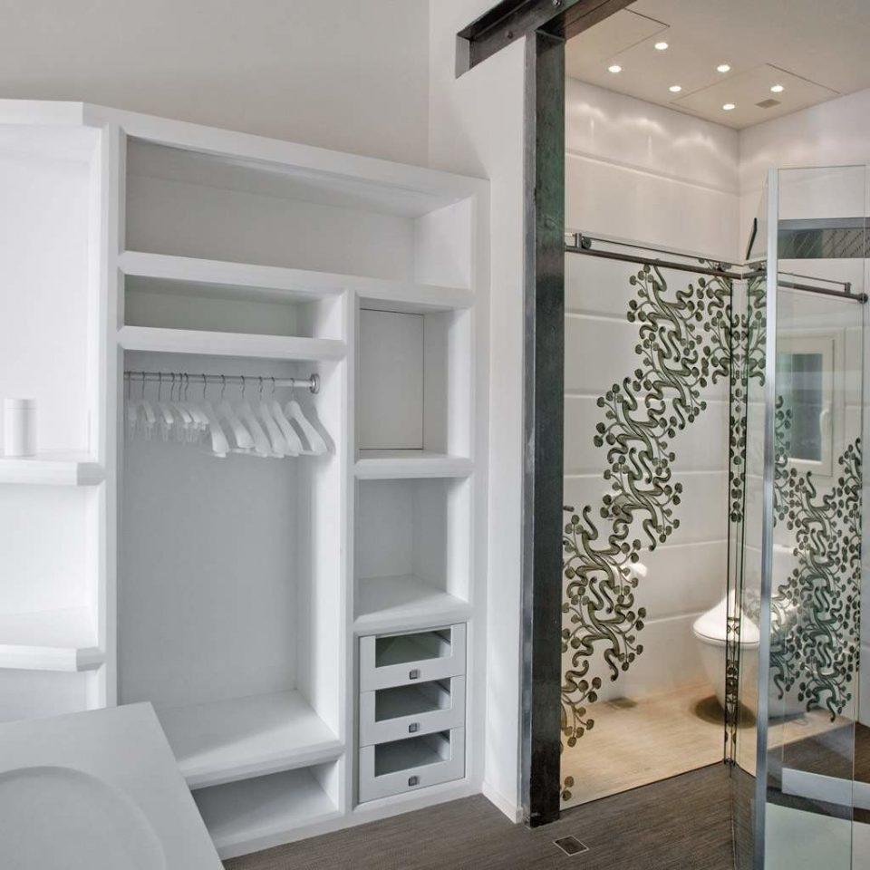 Bath Luxury Modern property home cabinetry bathroom