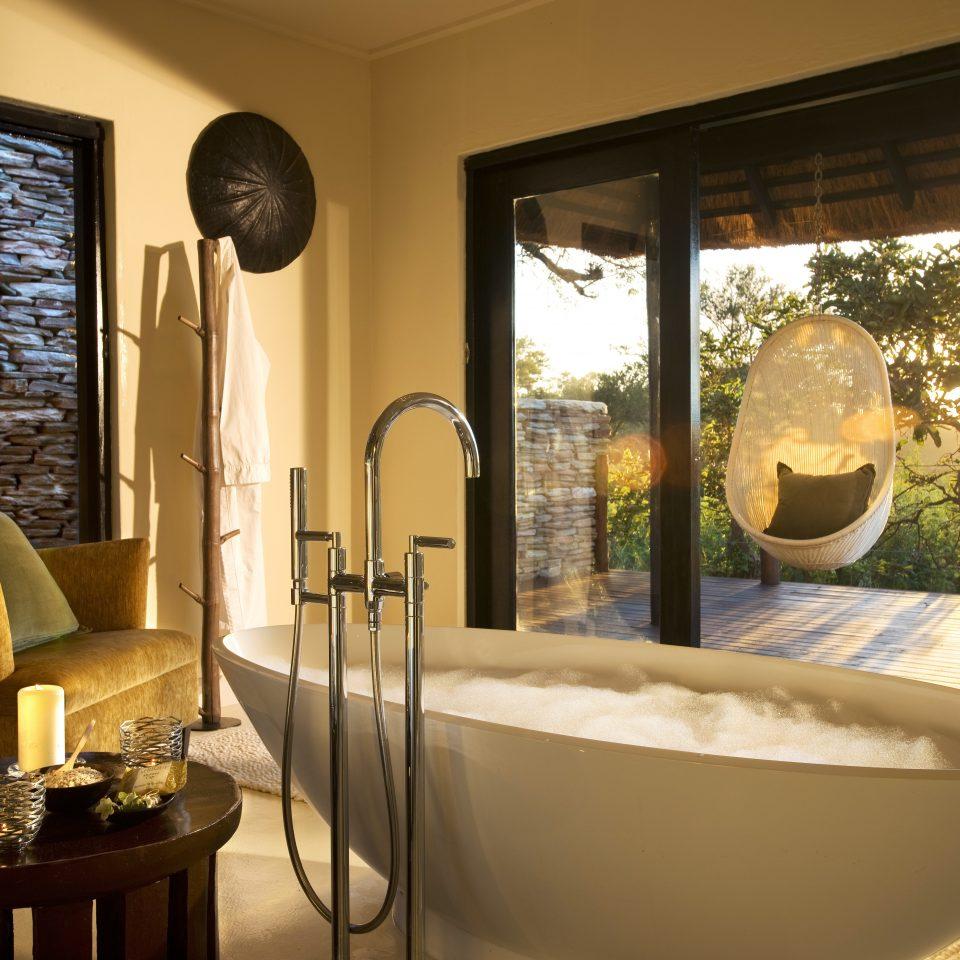 Bath Luxury Romantic Scenic views property home Suite living room Villa bathroom