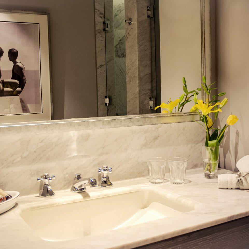 Bath Luxury Romantic bathroom sink mirror bathtub home plumbing fixture Suite double toilet