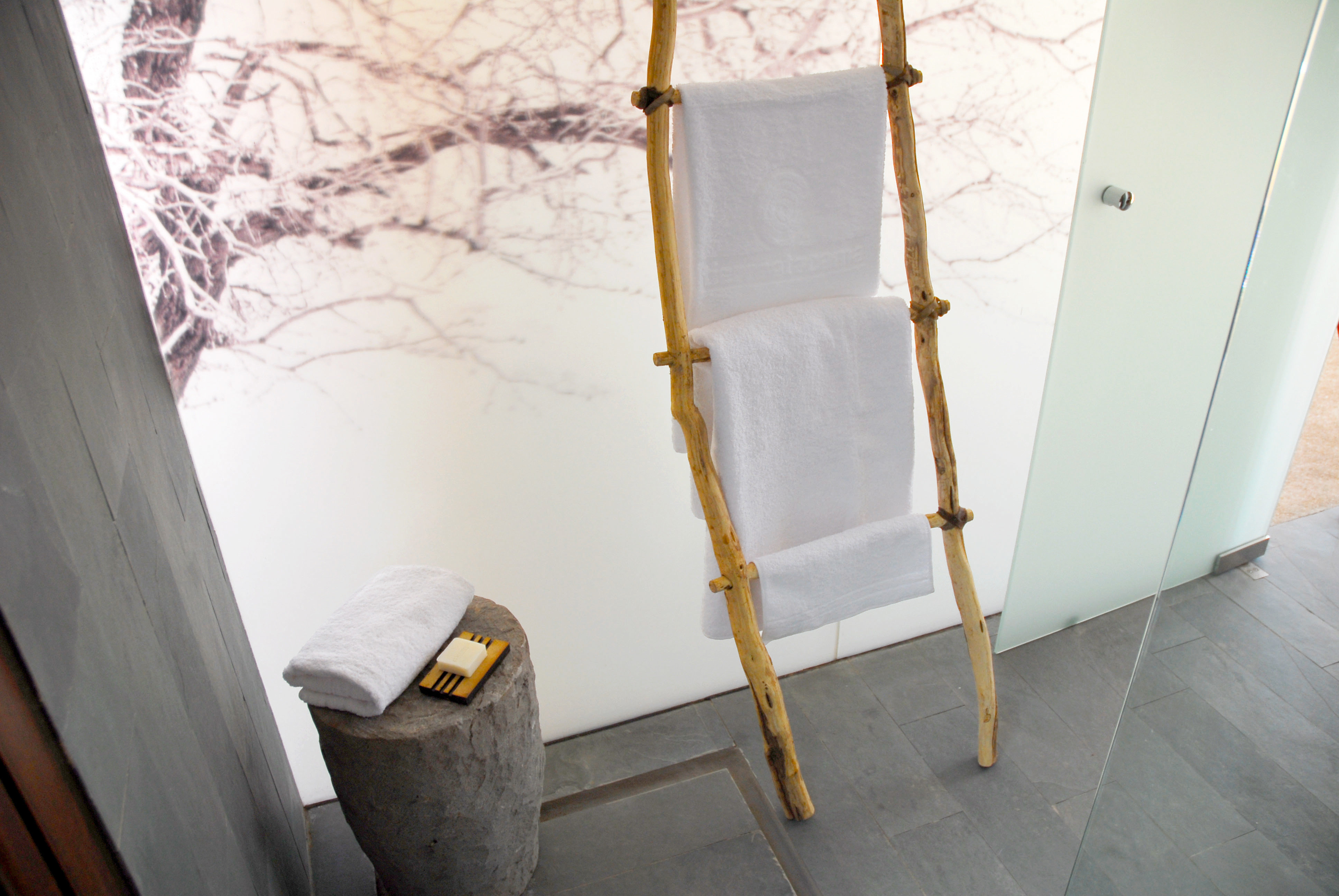 Bath Luxury Spa white house product flooring home