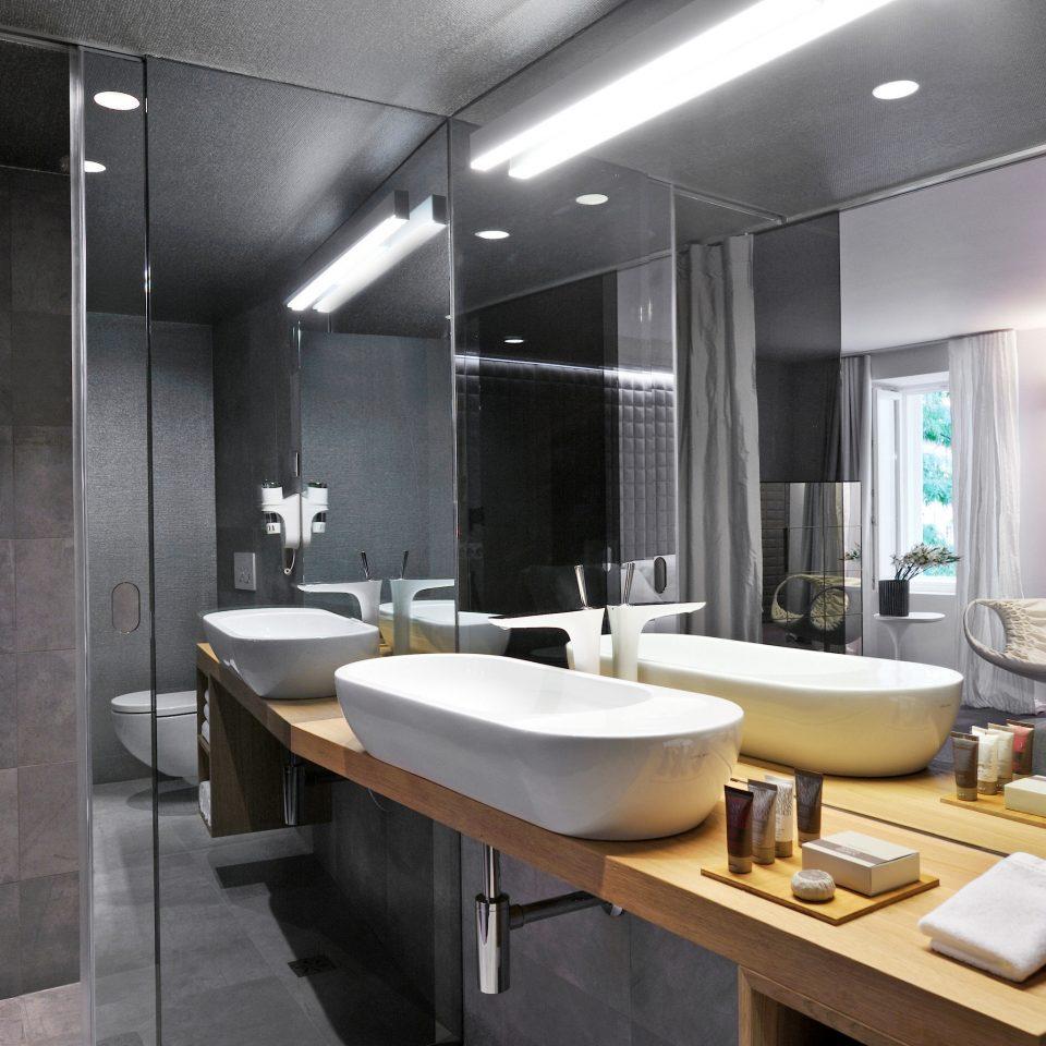 Bath Modern Resort bathroom sink property Suite home counter condominium public