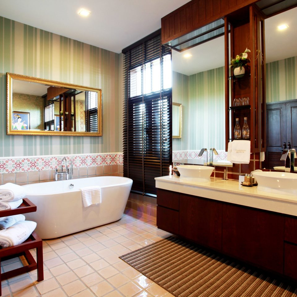 bathroom property Suite condominium home living room sink tub Modern tiled tile Bath bathtub