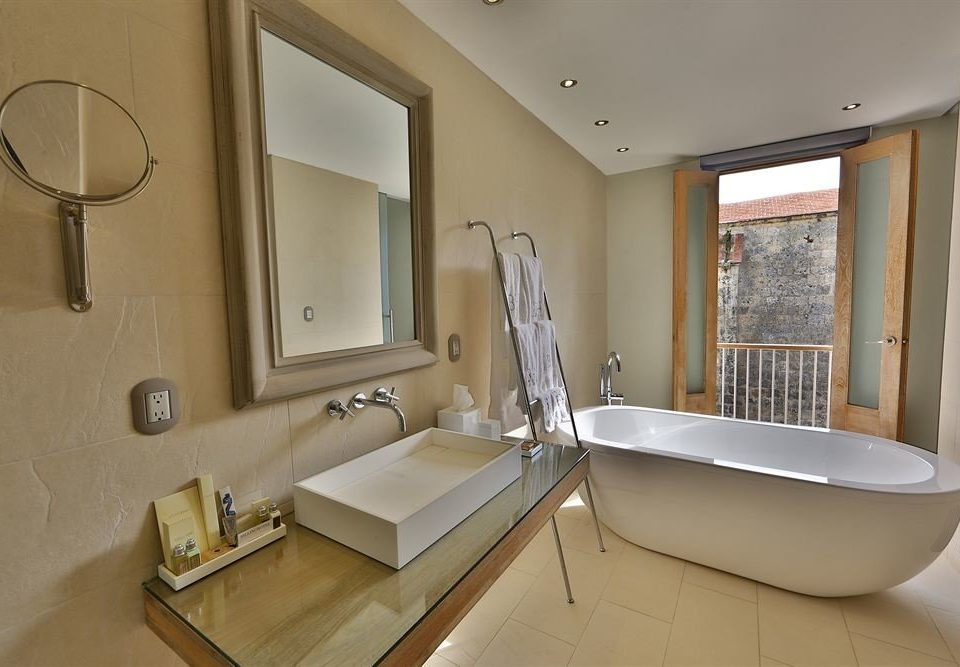 Bath Modern bathroom property home sink Suite bathtub tub cottage