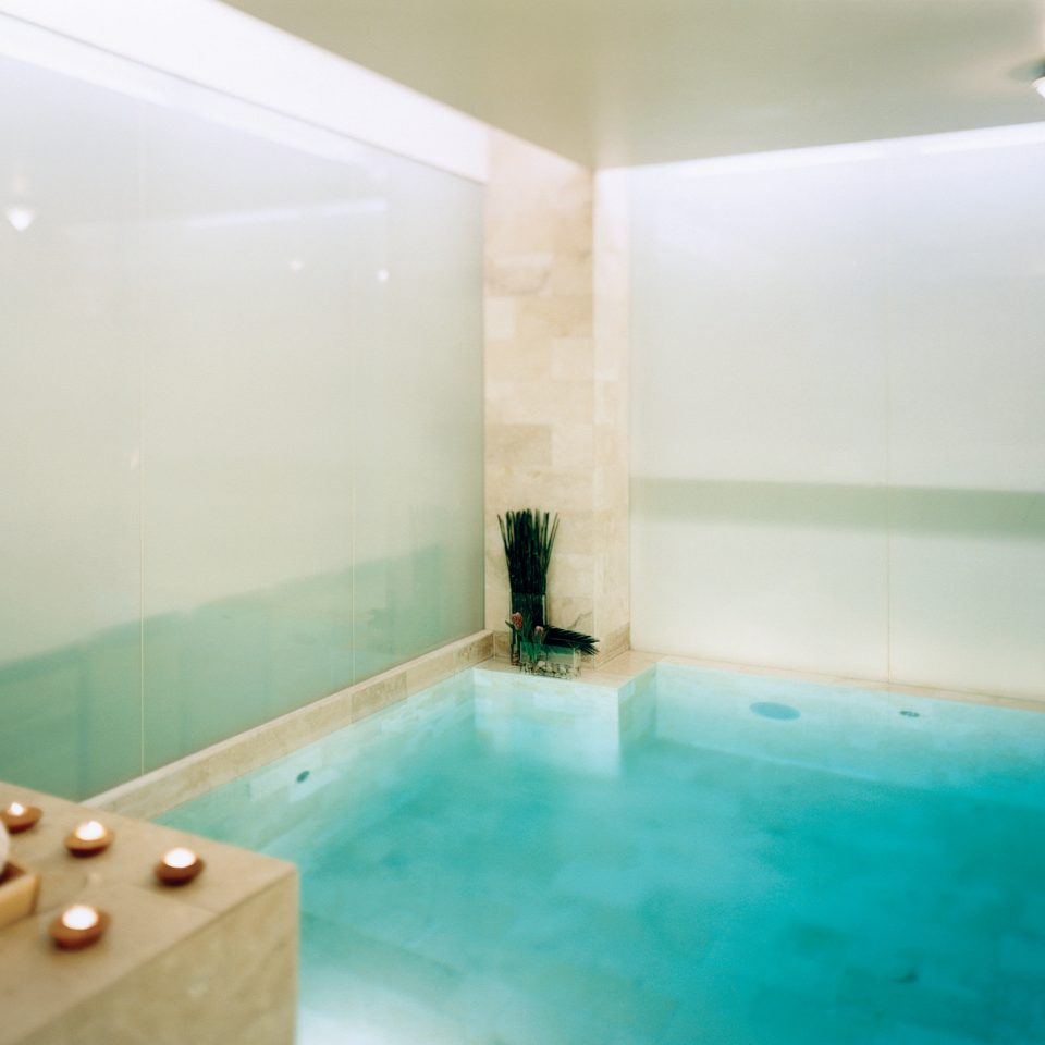Bath Pool Resort Spa Wellness swimming pool property bathtub jacuzzi bathroom