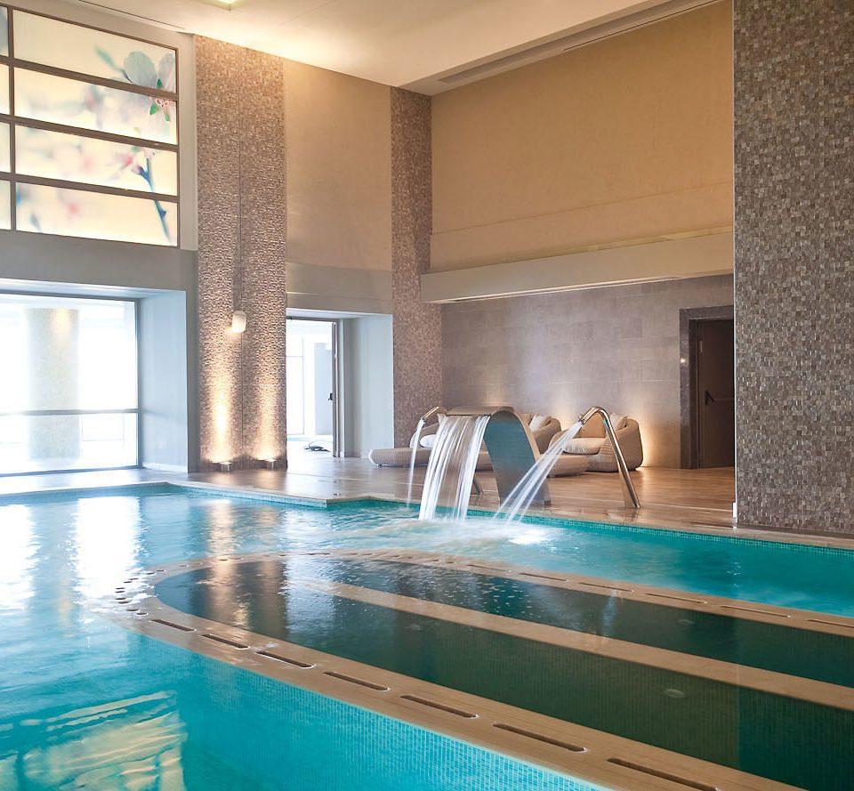 swimming pool property leisure thermae counter Resort condominium tub Bath bathtub tile tiled