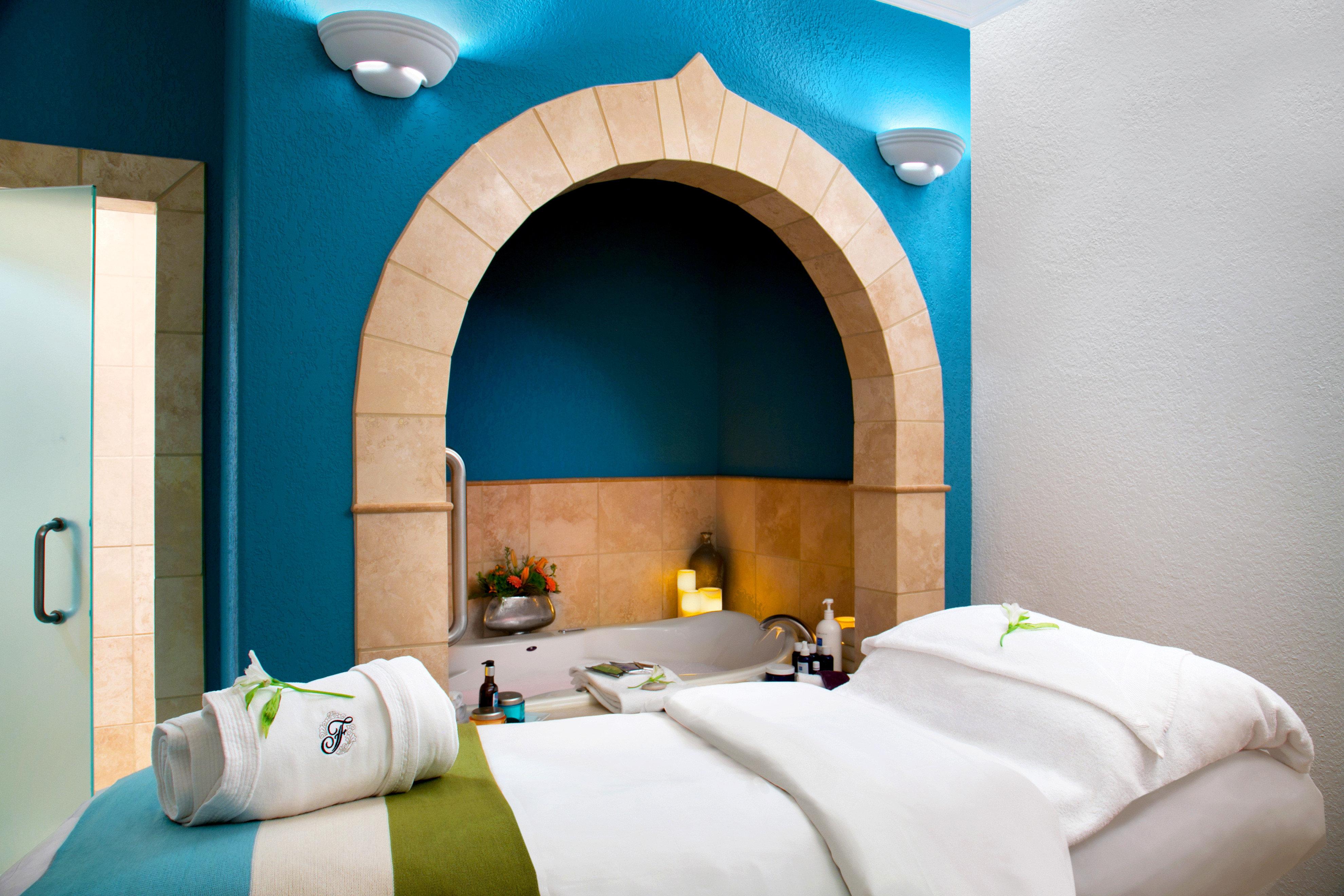 Bath Resort Spa Wellness color green Suite Villa colored