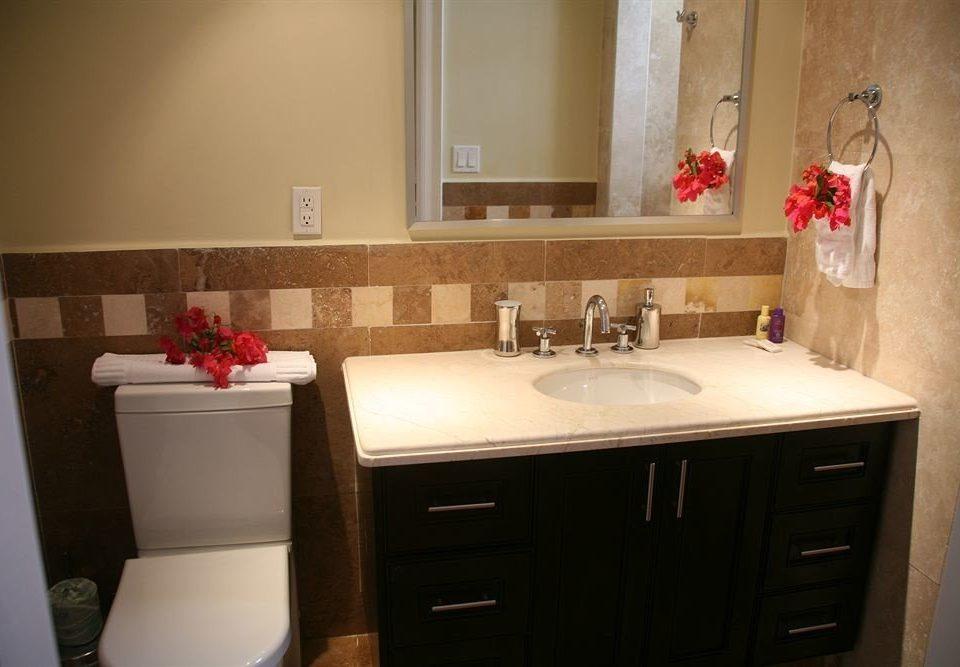 Bath Resort bathroom property house sink home cottage Suite