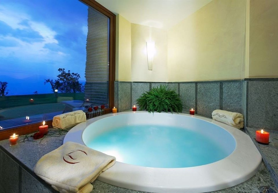 swimming pool property jacuzzi sink Villa Suite tub Resort bathtub Bath