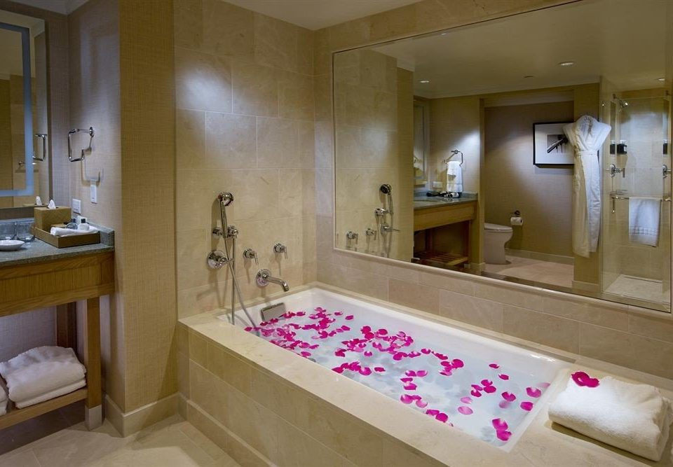 bathroom property house sink home Suite plumbing fixture tub Bath bathtub