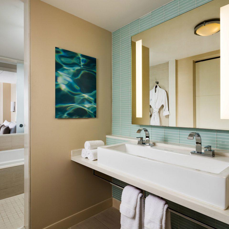 bathroom mirror sink property home Suite double tub tile Bath bathtub