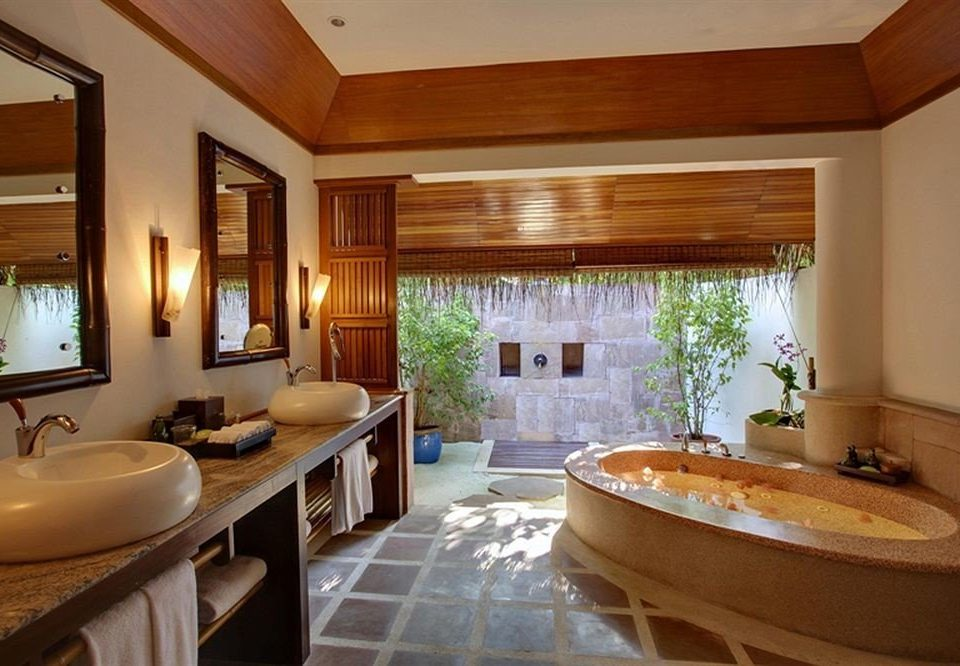 bathroom sink property Suite home tub cottage double bathtub Bath tile