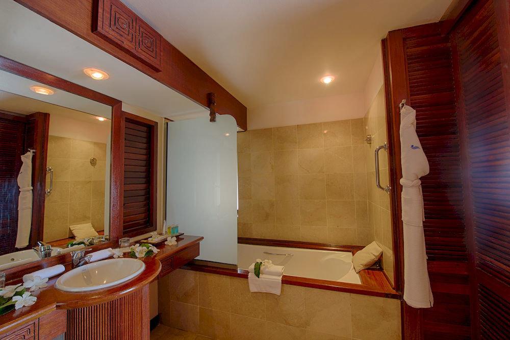 bathroom house property sink home Suite cottage tub Bath bathtub