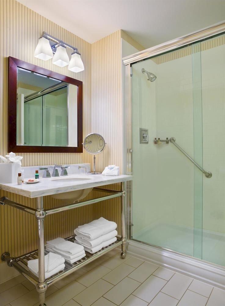 bathroom property sink Suite cottage bathtub rack Bath tiled