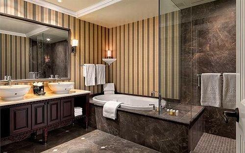 property Suite bathroom home cottage living room tub bathtub Bath
