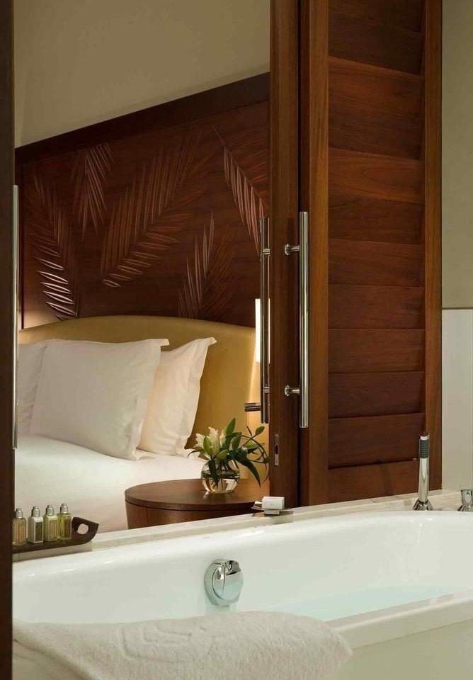 bathroom property Suite home sink vessel bathtub swimming pool plumbing fixture cottage tub Bath tan