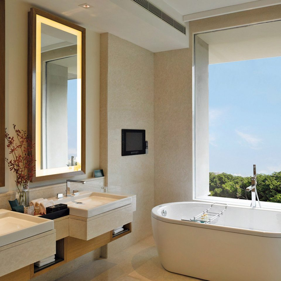 Bath bathroom property mirror sink bathtub home Suite swimming pool plumbing fixture daylighting bidet condominium tub