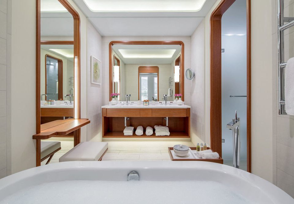 bathroom sink mirror property home tub yacht white mansion bathtub swimming pool Suite cottage Bath