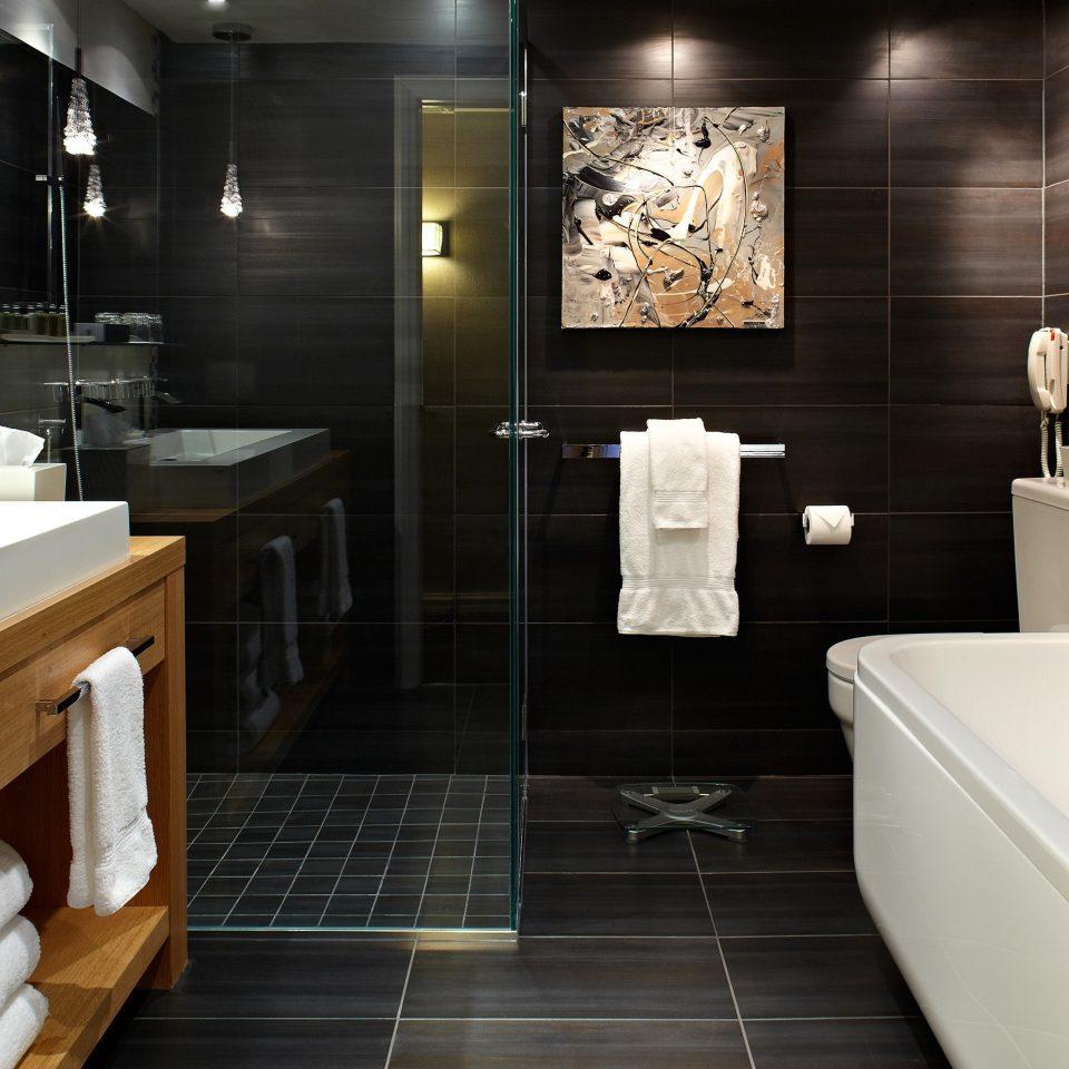 bathroom sink flooring Suite tile tub Bath bathtub