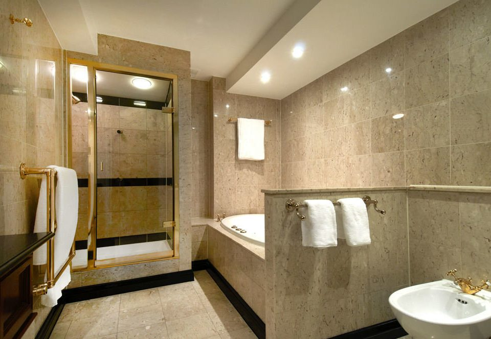 bathroom sink mirror property toilet home Suite shower tub public toilet Bath bathtub