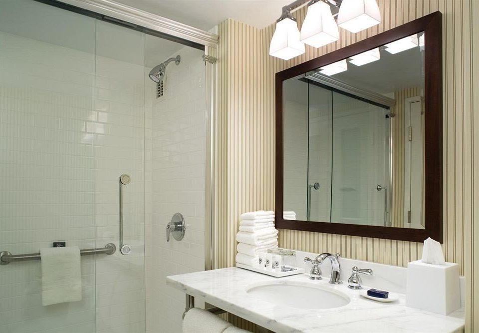 bathroom sink mirror property Suite plumbing fixture toilet clean Bath