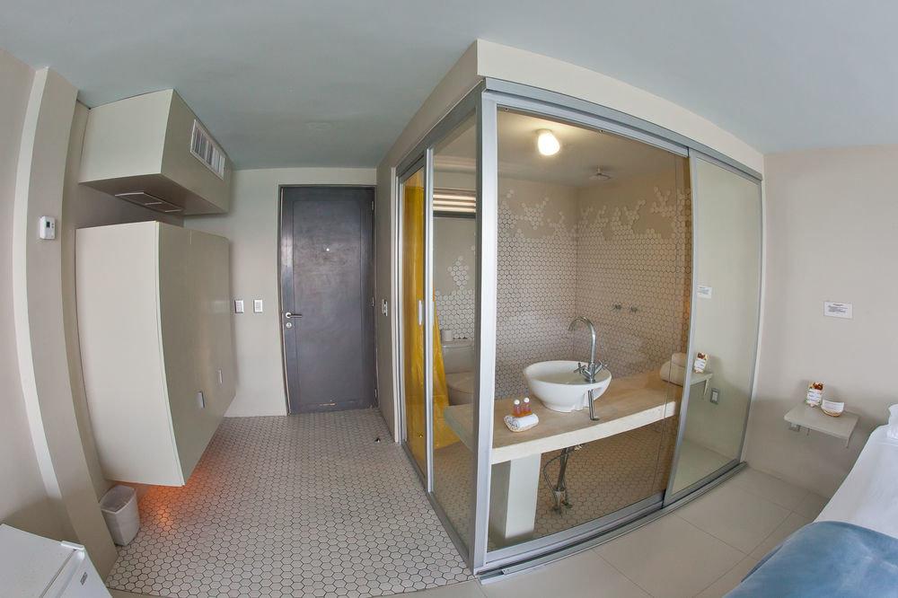 bathroom property Suite sink condominium Bath tiled