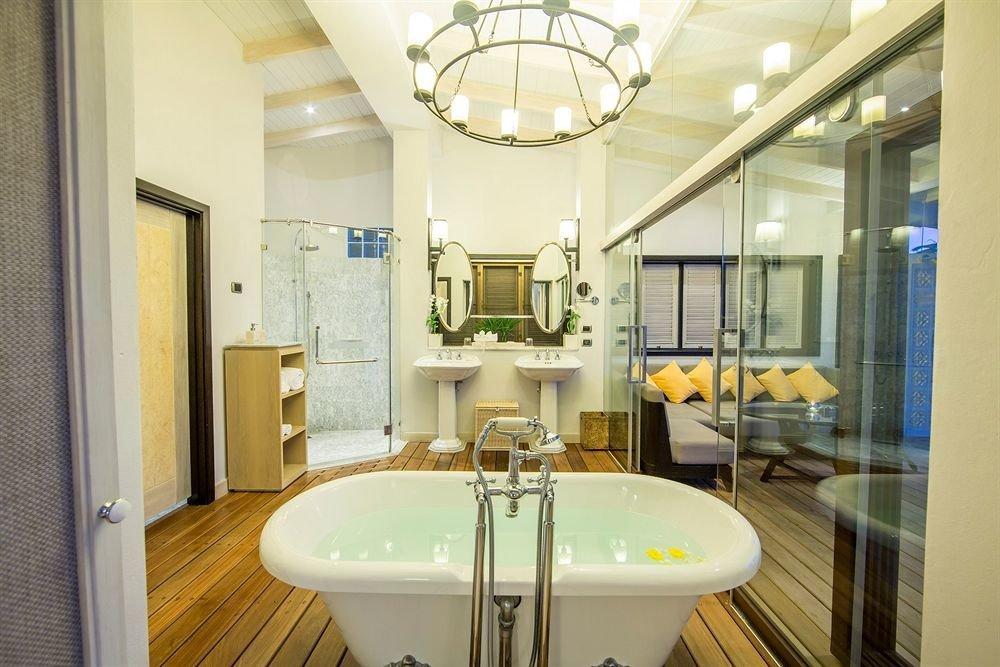 bathroom mirror sink property home condominium Suite toilet Bath tiled