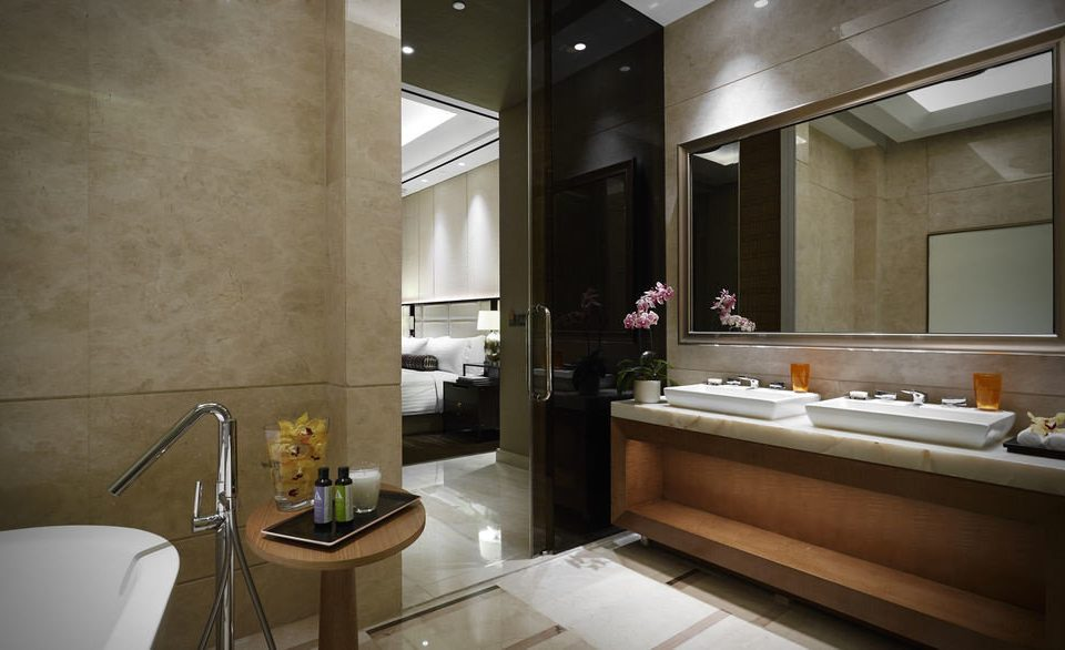 bathroom property sink counter home Suite lighting condominium Bath