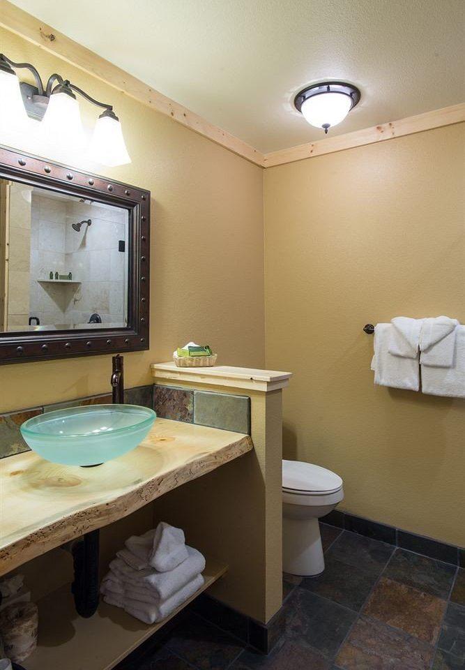 Bath bathroom sink mirror property home Suite cottage