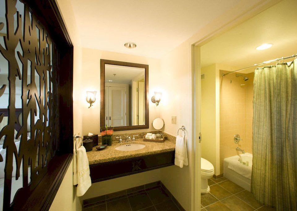 bathroom property sink home house Suite cottage long living room mansion Bath tub tan