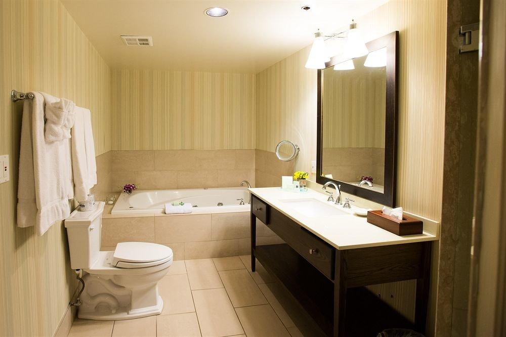 bathroom property sink toilet Suite home cottage Bath