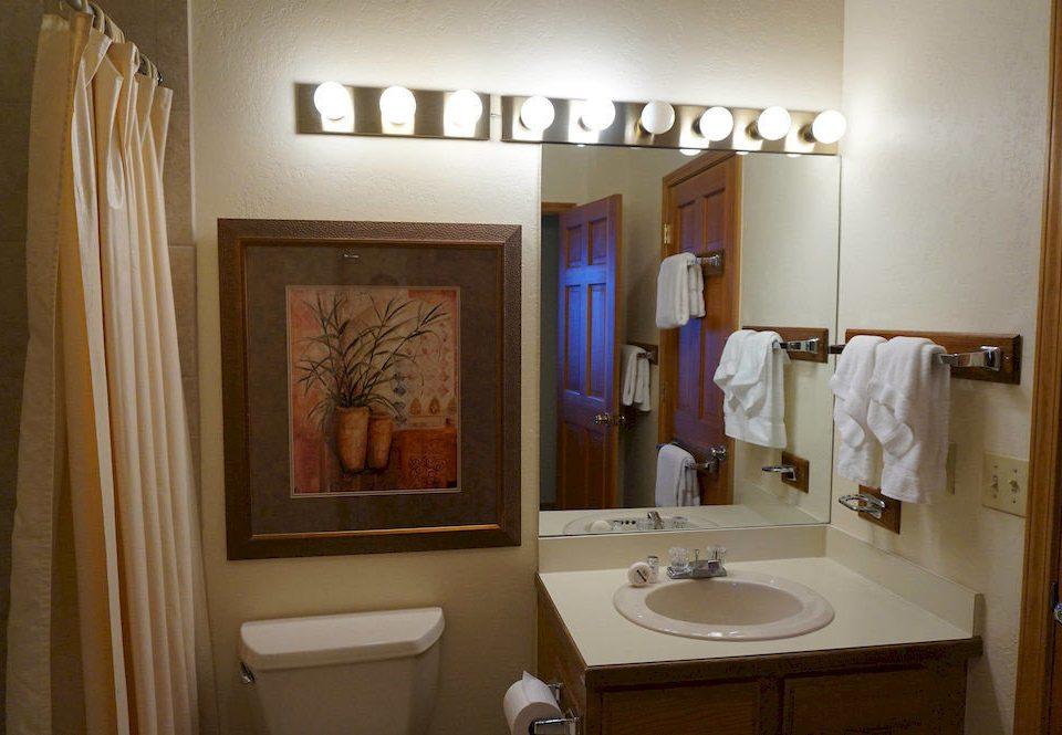 bathroom property toilet house home sink white cottage Suite Bath