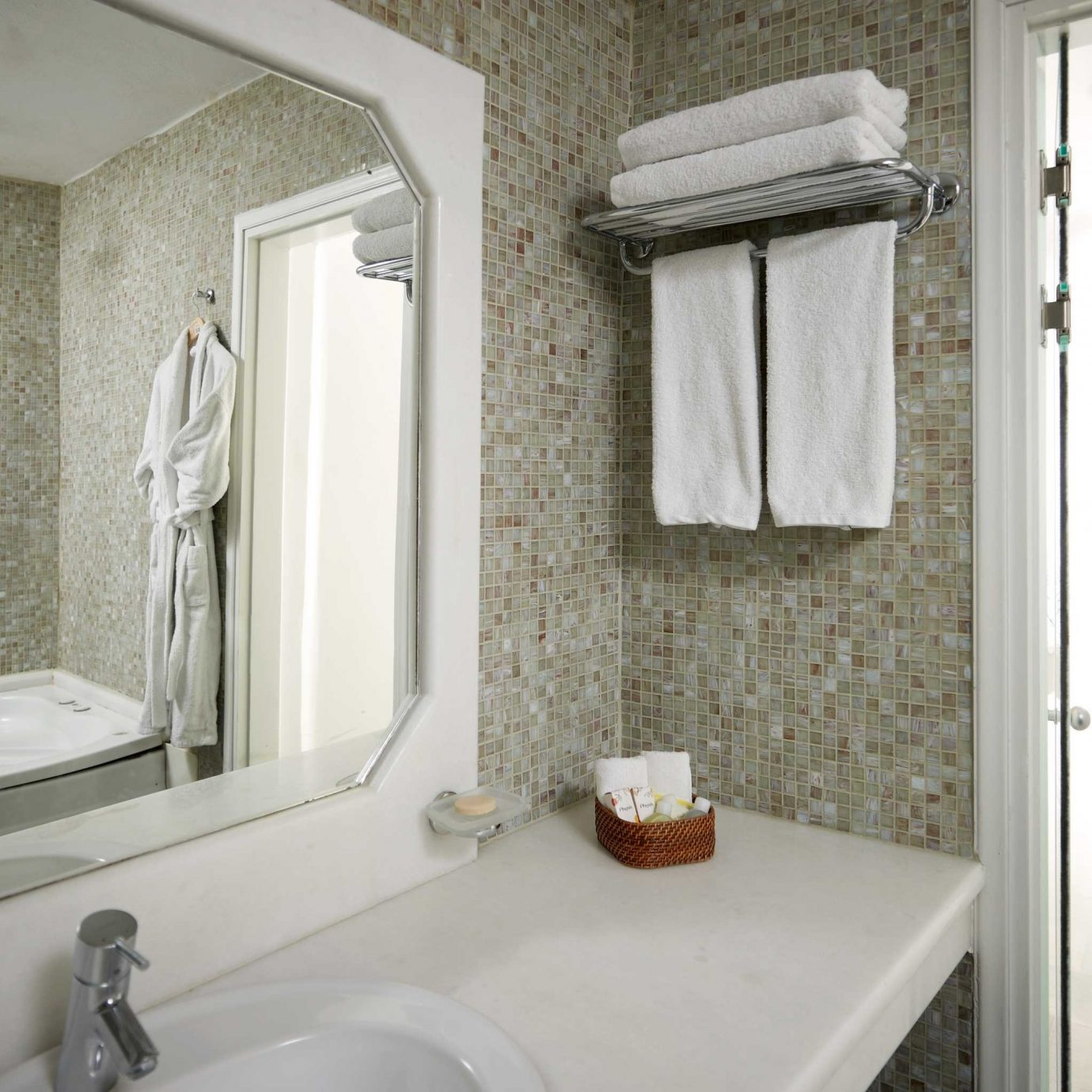 bathroom sink property mirror toilet home white cottage Suite plumbing fixture Bath
