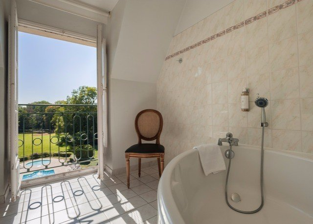 property bathroom cottage Suite tub tiled Bath