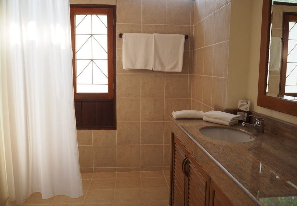 bathroom property curtain house sink home cottage Suite flooring tub Bath tiled