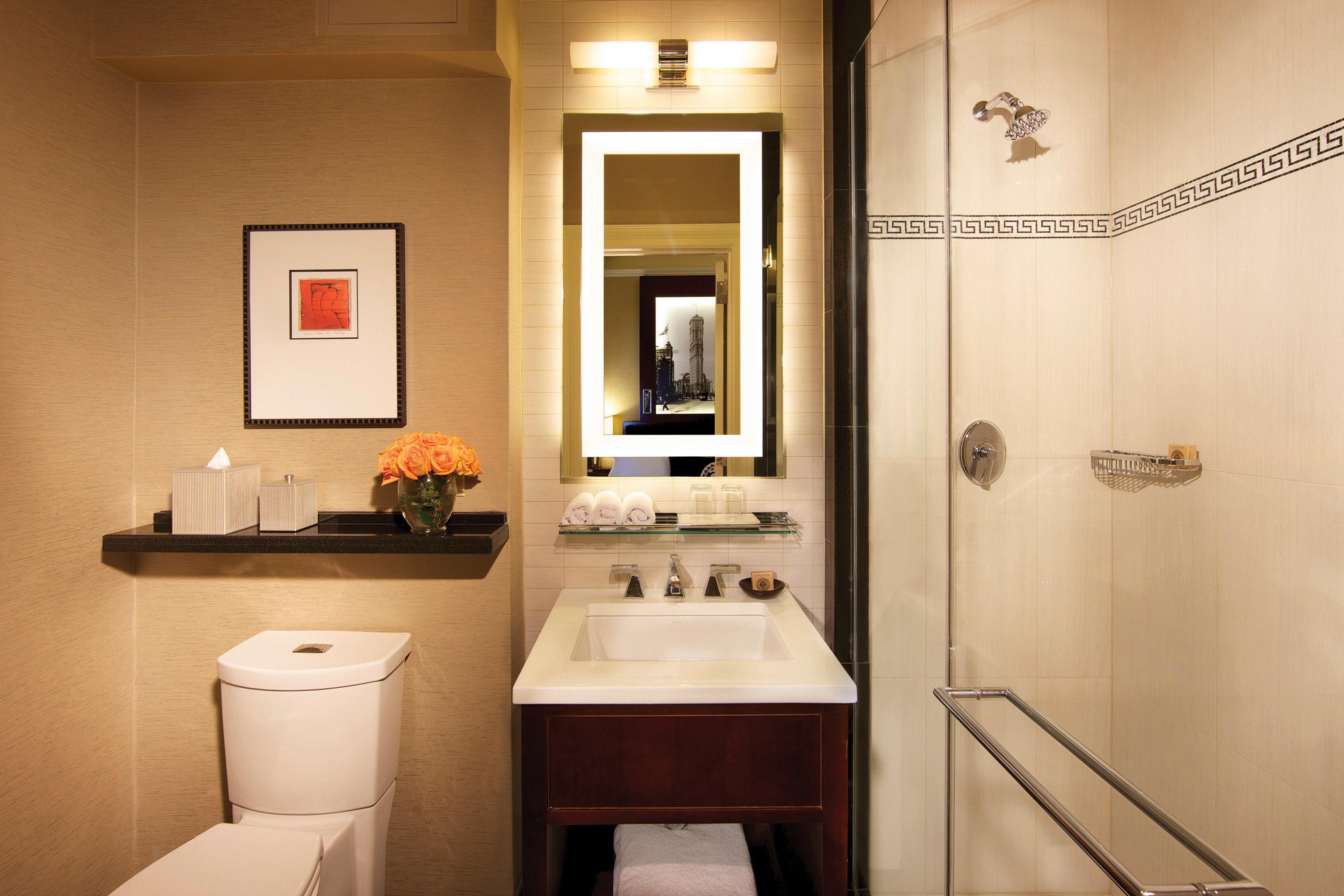 Bath bathroom property home sink lighting Suite cottage