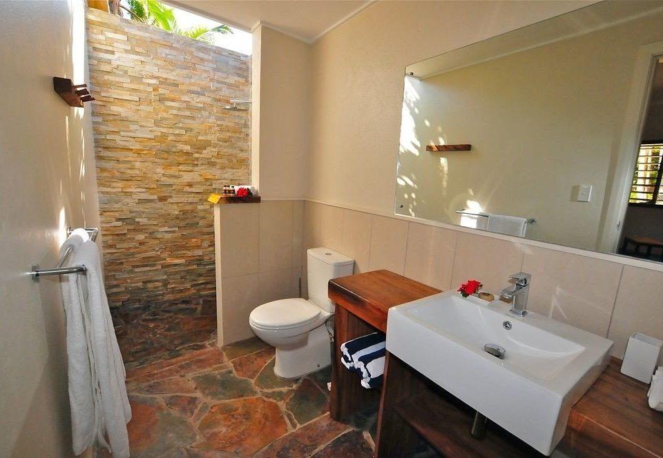 bathroom property cottage home Suite sink tub Bath