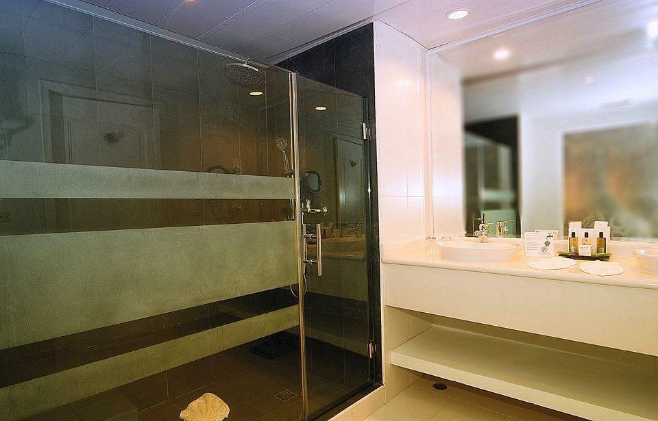 bathroom property plumbing fixture home Suite public toilet tub Bath tiled