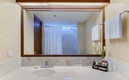 bathroom sink property mirror home Suite plumbing fixture Bath