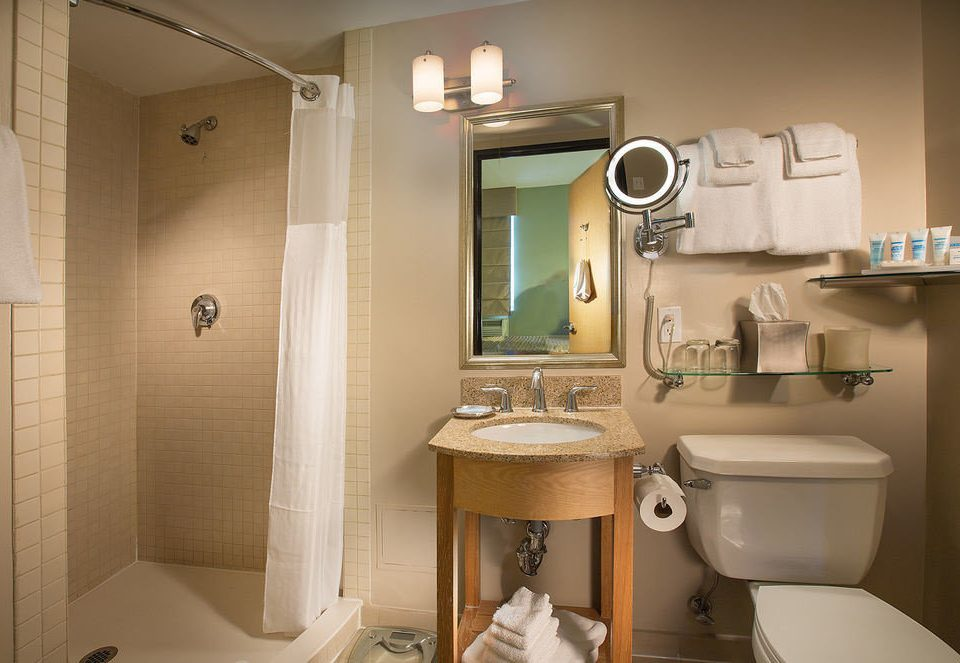 bathroom property toilet sink home Suite plumbing fixture Bath