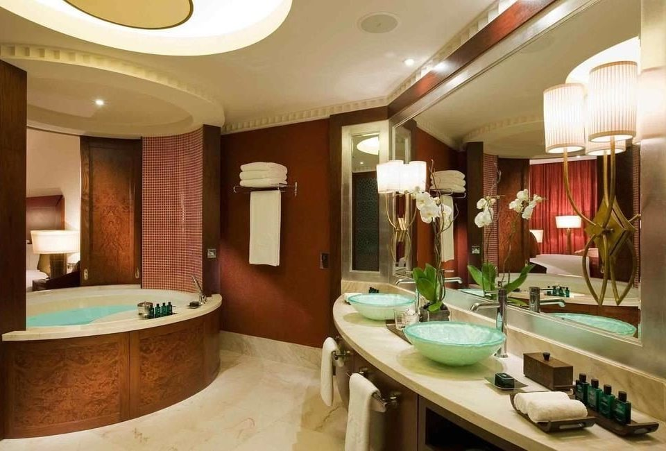 bathroom sink property Suite home swimming pool mansion tub Bath