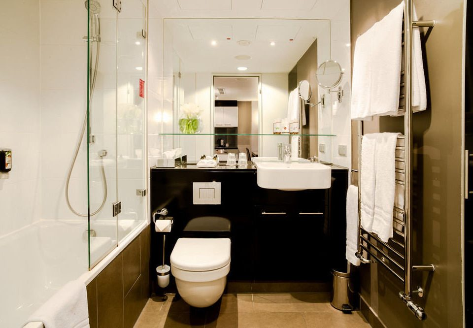 bathroom property toilet home sink Suite Bath