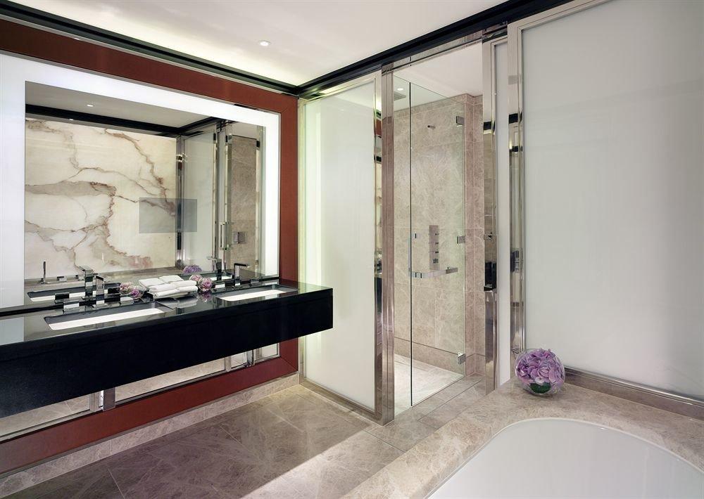bathroom sink property mirror home Suite plumbing fixture Bath tiled