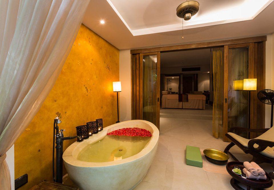 bathroom property Suite home swimming pool Bath tub