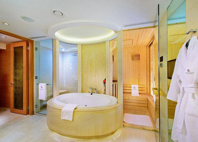 bathroom swimming pool Suite sink public toilet Bath