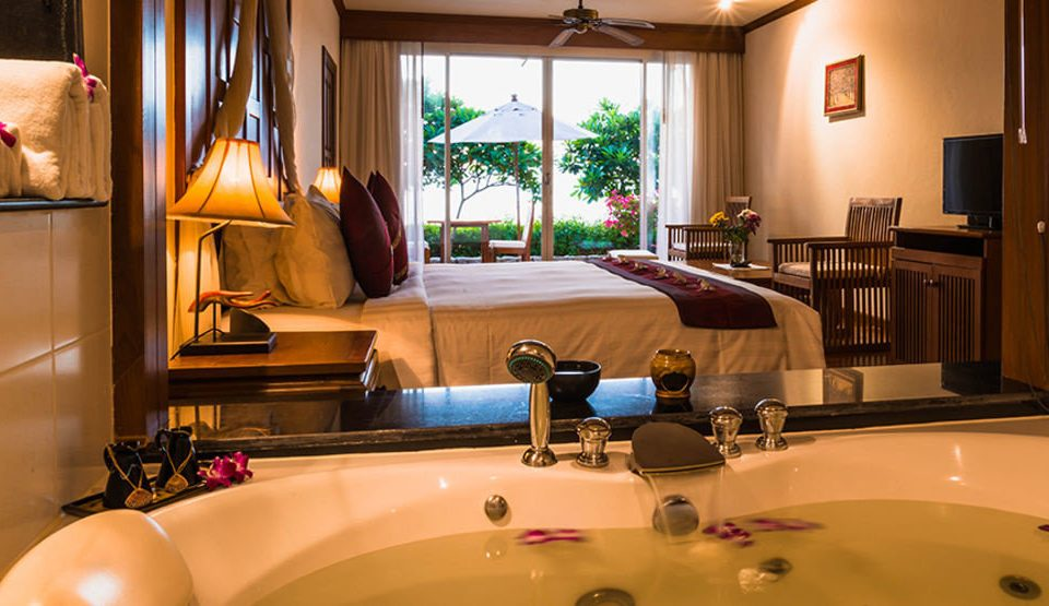 bathroom sink property Suite home swimming pool living room recreation room Villa toilet tub bathtub Bath