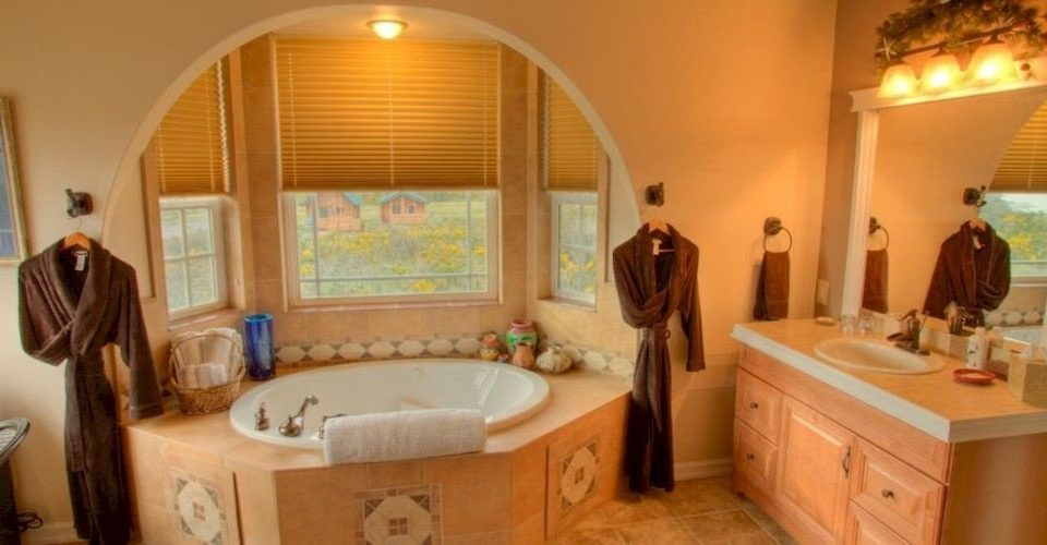 property Suite bathroom home cottage Villa mansion Bath