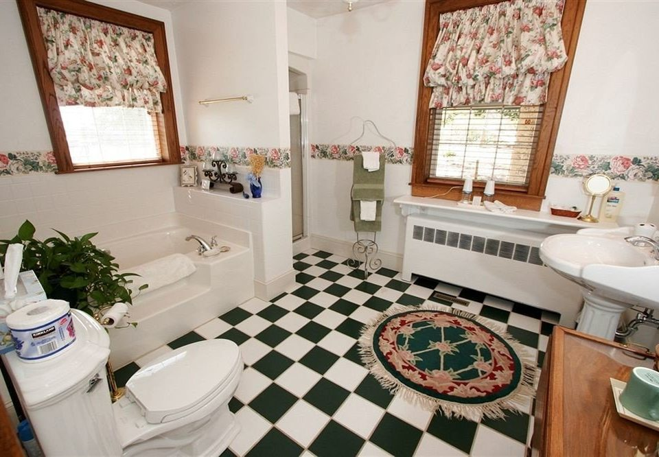 property toilet home cottage living room bathroom Villa farmhouse flooring tiled tile Bath