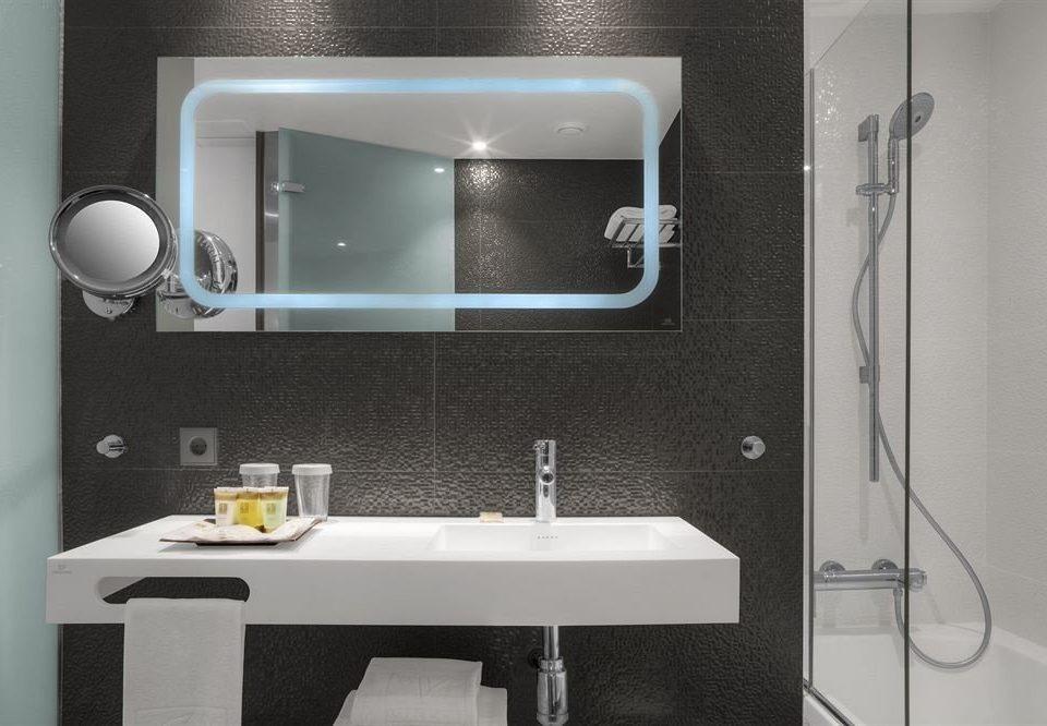 bathroom mirror sink plumbing fixture white towel bathroom cabinet bidet vessel bathtub toilet