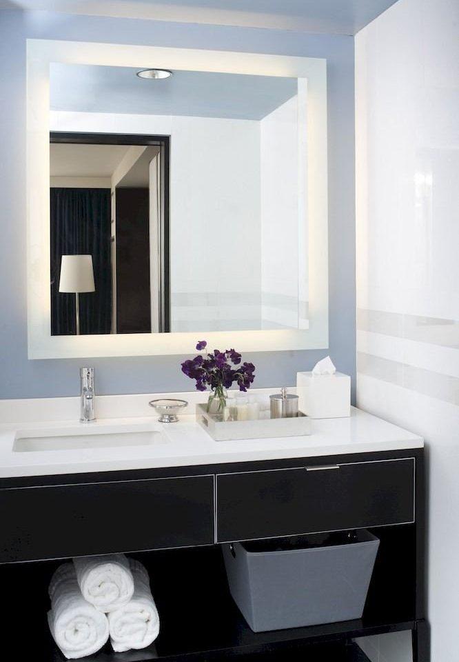 bathroom mirror sink bathtub white plumbing fixture bidet bathroom cabinet square